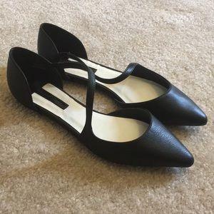 Super cute black Flats